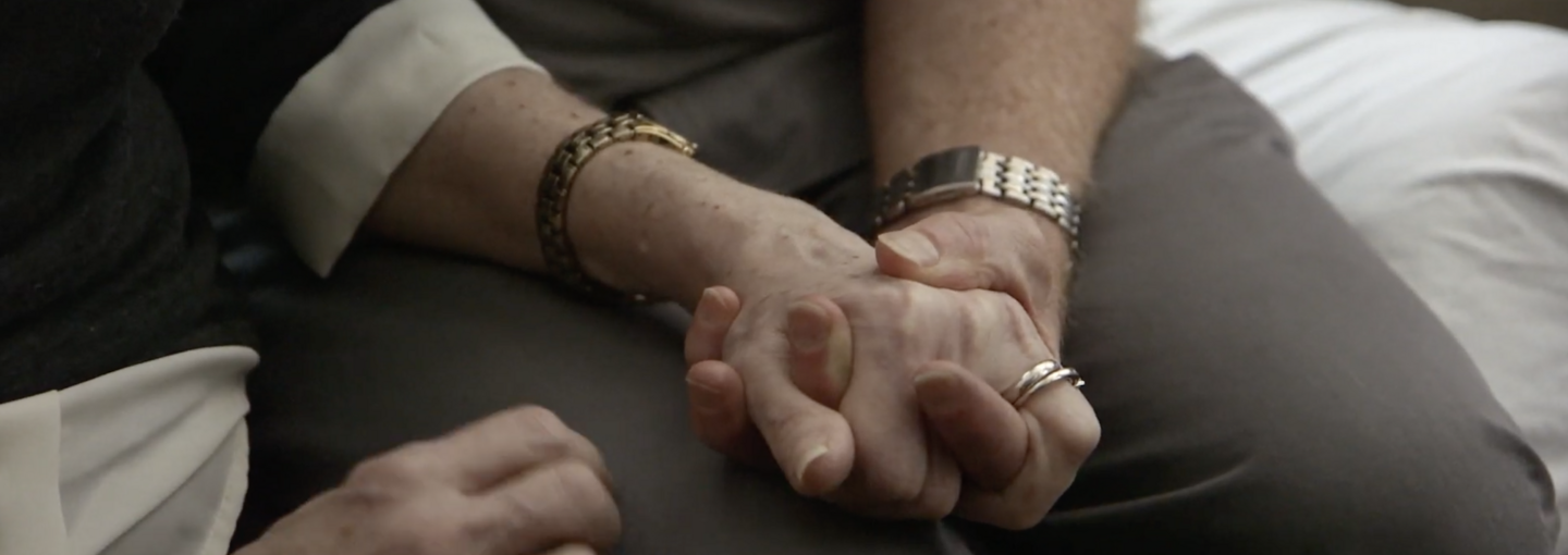 Image - couple holding hands