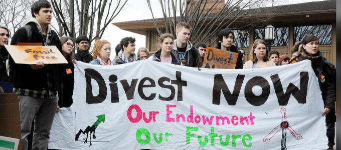 Image - students protesting