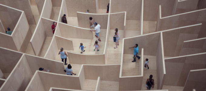 Image - people in a labyrinth